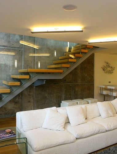 Equilibrium Staircase Designs - Beautifully open stairs with minimalist structure