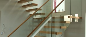 Solid construction cantilever stairs