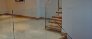 Glass staircase fitted in four sections