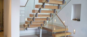 Equilibrium Open Staircase with off-set stringer support