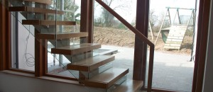 Glass balustrade of Glider modern stairs